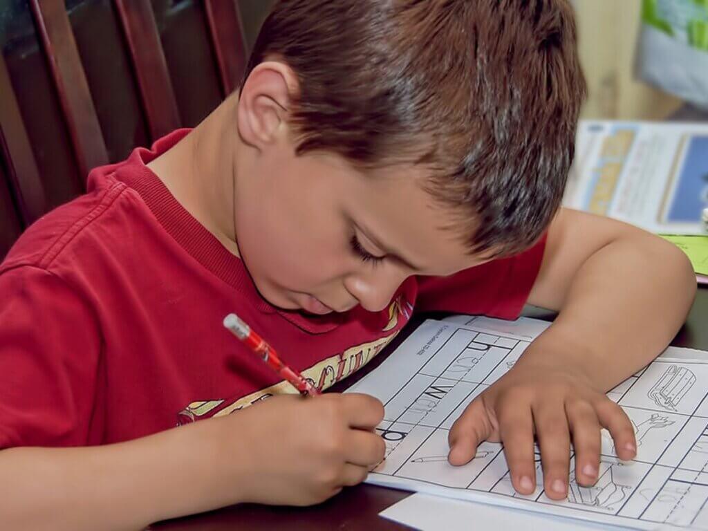 Motivera dina barn att göra sina läxor